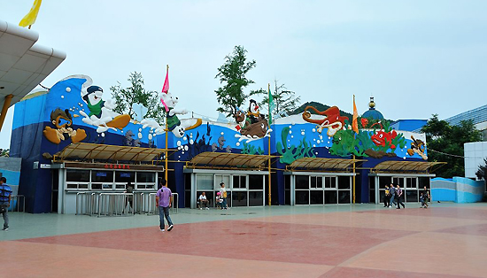 Tiger Beach Ocean Park, one of the 'top 10 attractions in Liaoning, China' by China.org.cn.