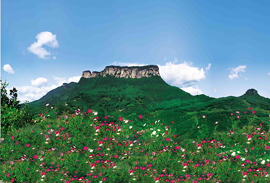 Wu'nyu Mountain City, one of the 'top 10 attractions in Liaoning, China' by China.org.cn.