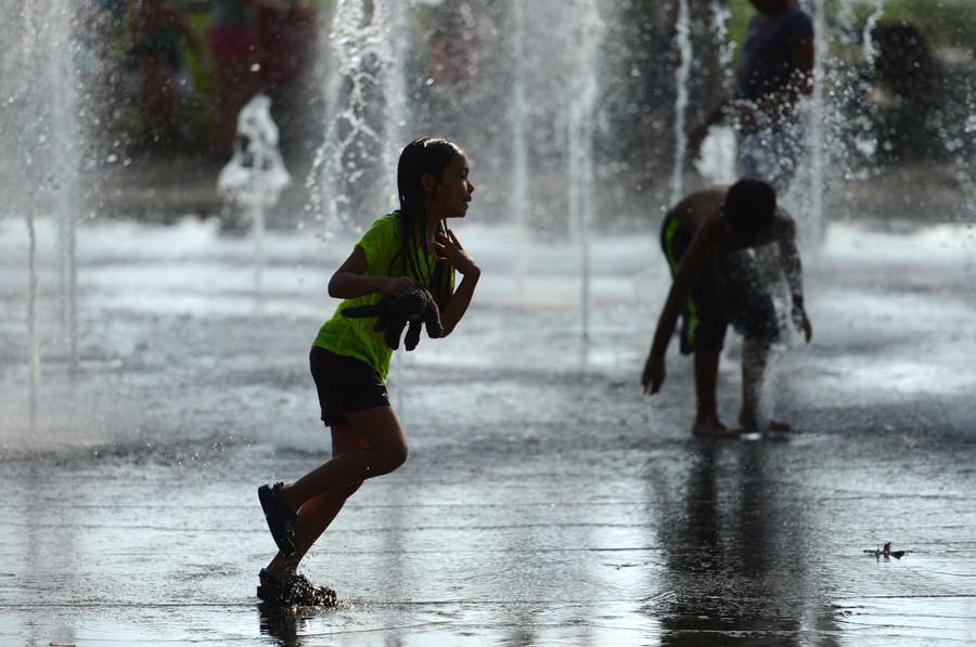Scorching Heat Bakes New York China Org Cn