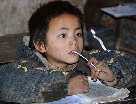 China's left-behind children lag behind [file photo]