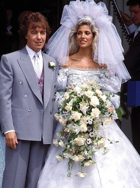 10 Ugliest Celebrity Wedding Dresses - Suggest.com | The ...