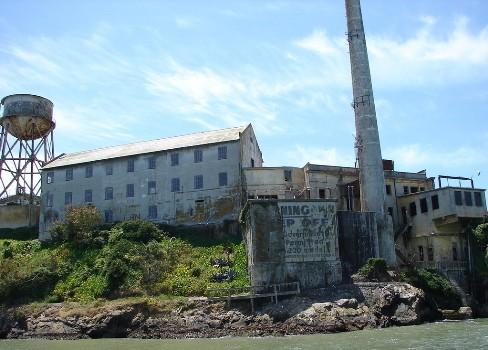 乐海首页 专题 恶魔岛监狱 恶魔岛上的监狱旅馆 正文  图片大小:479 x