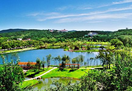 """Parque Nacional da Floresta de Jingyuetan, uma das """"10 principais atrações em Changchun, China"""" pela China.org.cn."""