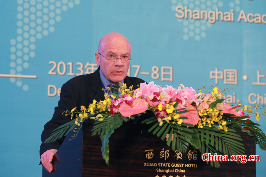 Martin Jacques, visiting senior fellow of IDEAS of London School of Economics and Political Science, gives a keynote speech at the opening ceremony of International Dialogue on the Chinese Dream in Shanghai on Dec.7, 2013. [China.org.cn]