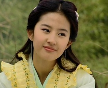 Beauties in ancient Chinese dresses- China.org.cn