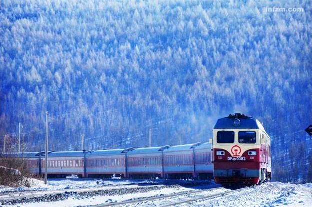 90后摄影师王嵬 7年20万公里行程只为拍火车