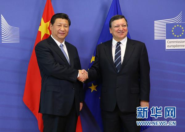 3月31日,国家主席习近平在比利时布鲁塞尔会见欧盟委员会主席巴罗佐。[新华社 庞兴雷 摄]