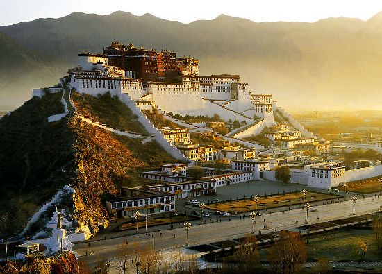 Potala Palace, one of the 'top 10 attractions in Lhasa, China' by China.org.cn.