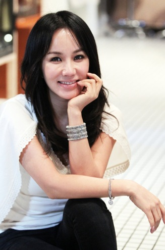Uhm Jung-hwa, one of the 'Top 10 X-rated actresses in South Korea' by China.org.cn