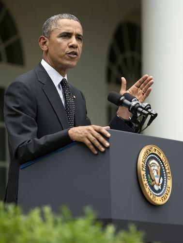 US President Barack Obama delivers a statement on American troops in Afghanistan from the Rose Garden at the White House in Washington, DC, May 27, 2014. Obama said Tuesday that plans to keep 9,800 US troops in Afghanistan next year depended on the Kabul government signing a long-delayed agreement. [Xinhua photo]