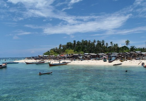 Top 10 best dive sites in the world - Sipadan dive sites ...