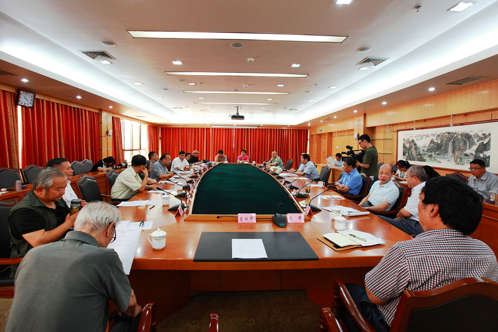 Photo shows the conference marking the 60th anniversary of the opening of Sichuan-Tibet and Qinghai-Tibet highways, which was held by the China Tibetology Research Center in Beijing on Aug. 11, 2014. [Photo/ China Tibet Online]