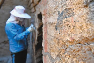 Skull in 1,400-year-old tomb may be European