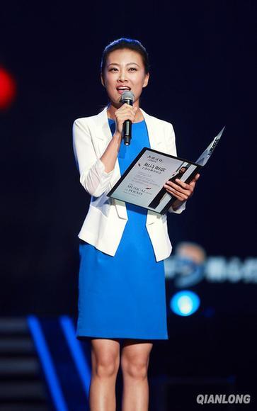 中央主持人杨阳图片_央视记者杨阳照片