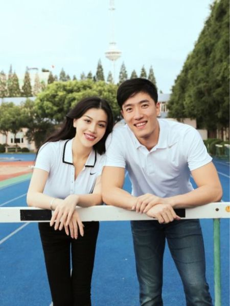 Olympic champion hurdler Liu Xiang and his wife Ge Tian. [Sina Weibo]
