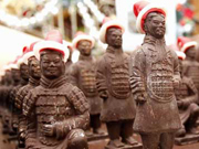 Bakers in Xi'an prepare chocolate army for Christmas