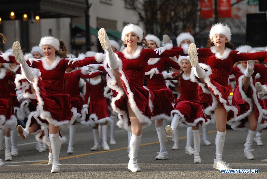 Vancouver Christmas Parade.Annual Santa Claus Parade Held In Vancouver China Org Cn