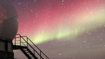 Dazzling auroras over South Pole