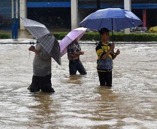 Rainstorms lash south China, affecting 1 mln