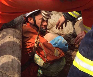 2-year-old boy rescued from well after 20 hours