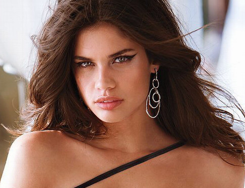 Sara Sampaio, one of the 'Top 10 hottest women in the world 2015' by China.org.cn.