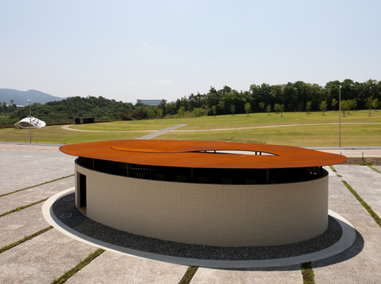 Graviculture M, one of the 'top 10 best-designed public toilets in the world' by China.org.cn.