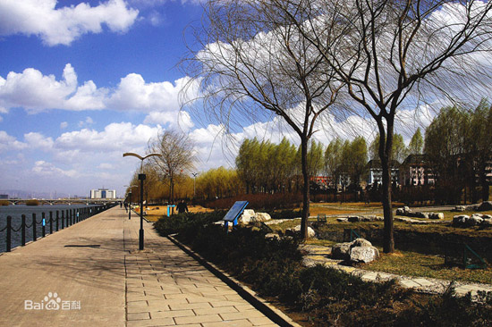 Fenhe Park, one of the 'top 10 attractions in Taiyuan, China' by China.org.cn.