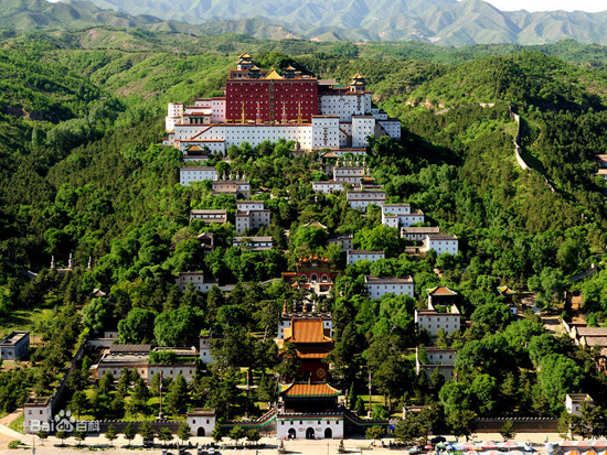 Chengde, one of the 'top 10 summer resorts in China in August' by China.org.cn.