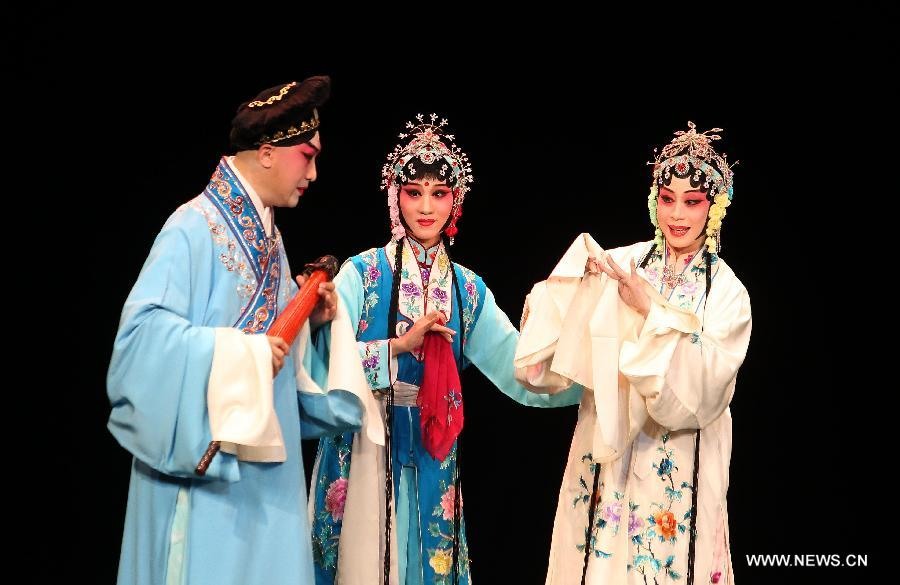 Artists from the Northern Kunqu Opera Theatre of China perform 'Legend of White Snake' during Helsinki Festival 2015 at the Alexander Theatre in Helsinki, Finland, Aug. 26, 2015. [Xinhua]