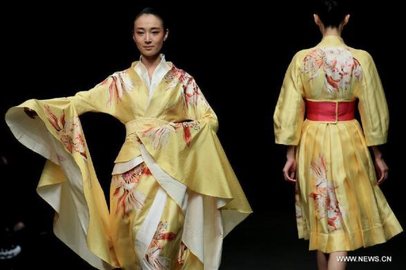 81518c34a Traditional elements dazzle at China Fashion Week - China.org.cn