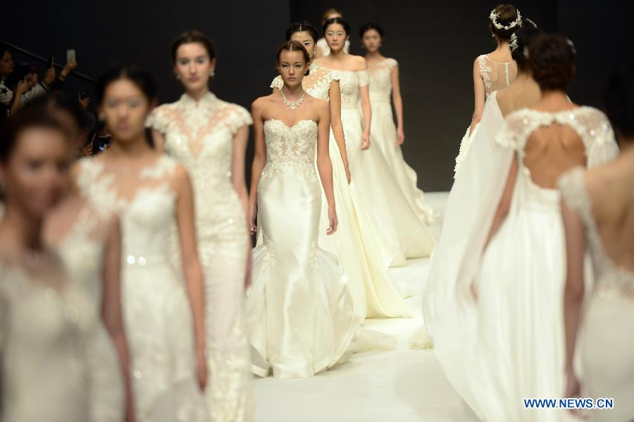 Wedding dress collection at china fashion week for Chinese website for wedding dresses