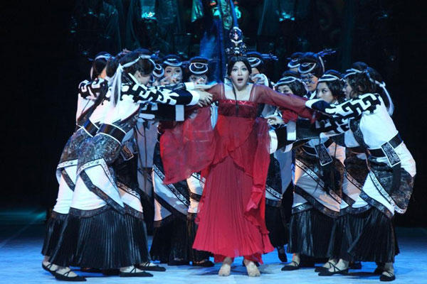 The large-scale dance drama Confucius debuts at the National Center for the Performing Arts on August 16, 2013. [File Photo: sohu.com]