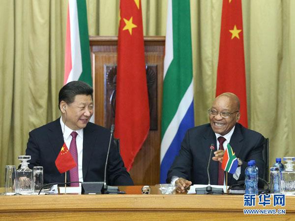 12月2日,国家主席习近平在比勒陀利亚同南非总统祖马举行会谈。[新华网]
