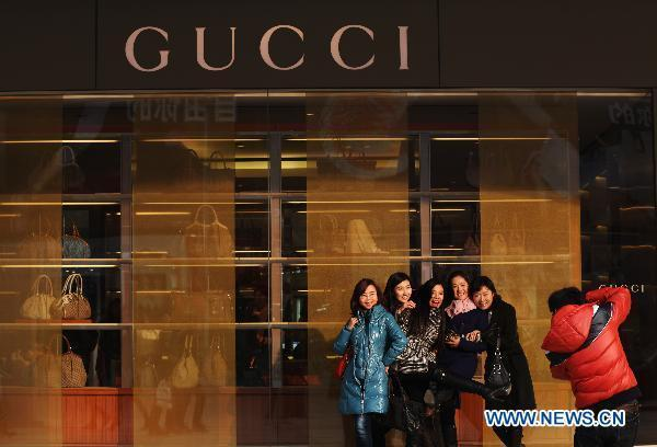 2e9e52126 Sales slipping for luxury brand stores in China - China.org.cn
