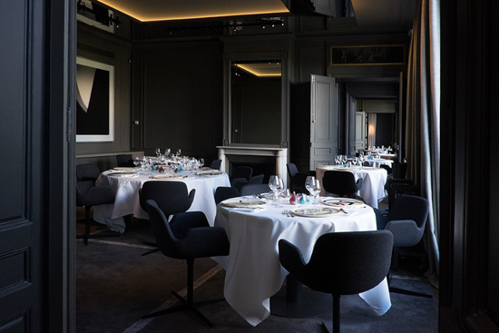 Guy Savoy, one of the top 10 outstanding restaurants in the world' by China.org.cn.