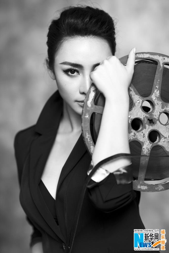 Actress Liu Yan poses for neutral fashion shots- China.org.cn