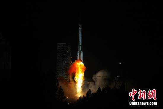 China's first high orbit remote sensing satellite, Gaofen-4, was launched on Dec 29, 2015. [Photo/chinanews.com]