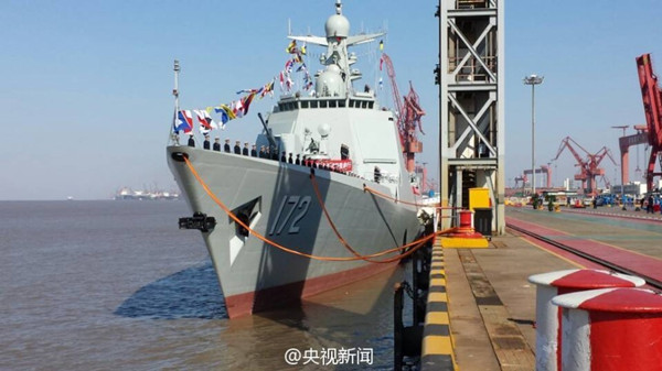 'Kunming,' the first 052D destroyer, was put into use on March 21, 2014. (Photo/Official Weibo account of CCTV)