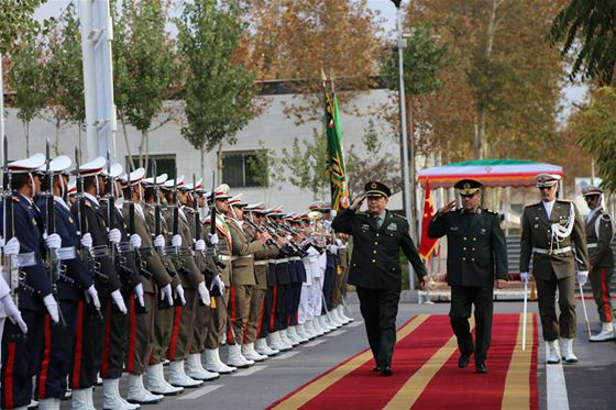 Chinese Defense Minister Chang Wanquan (3rd R Front) and Iranian Defense Minister Hossein Dehqan (2nd R Front) inspect guards of honor in Iran's capital Tehran, Nov. 14, 2016. [Photo/Xinhua]