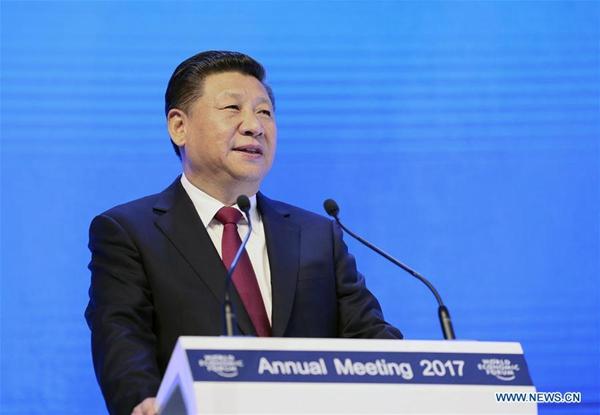 2017年1月17日,国家主席习近平在瑞士达沃斯国际会议中心出席世界经济论坛2017年年会开幕式,并发表题为《共担时代责任共促全球发展》的主旨演讲。 [新华社] Chinese President Xi Jinping delivers a keynote speech at the opening plenary of the 2017 annual meeting of the World Economic Forum in Davos, Switzerland, Jan. 17, 2017. [Photo/Xinhua]