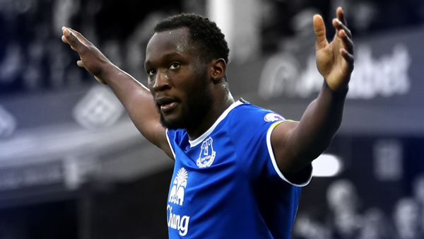 Lukaku scores twice for Everton after rejecting new deal