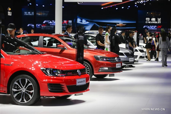 Photo taken on April 19, 2017 shows Volkwagen cars at the 7th Shanghai International Automobile Industry Exhibition in Shanghai, east China. [Photo/Xinhua]
