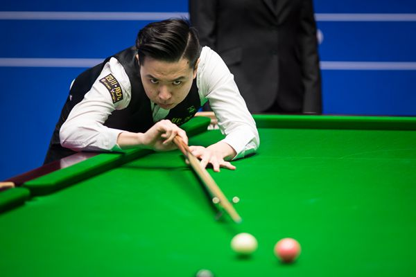 Mark Selby Edges Toward World Snooker Championship Quarters