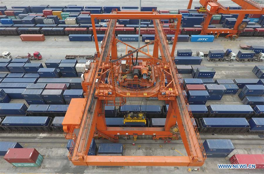 559 cargo trains depart from railway container center in Chengdu to Europe