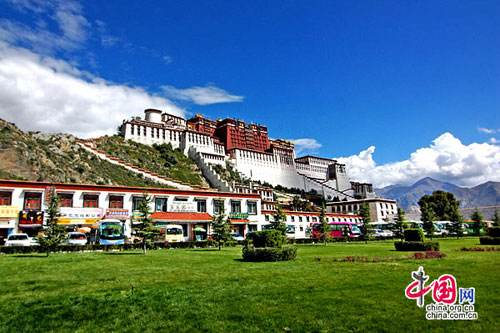 Lhasa, one of the 'Top 10 destinations in China in 2017' by China.org.cn