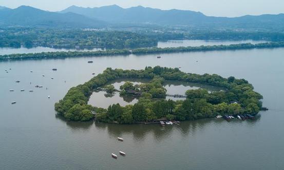 Scenery Of West Lake In China U0026 39 S Hangzhou
