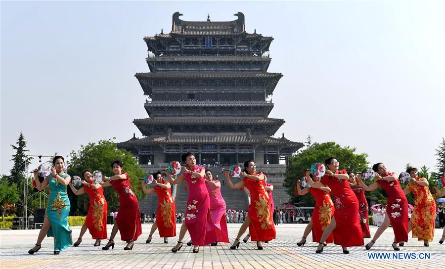 #CHINA-SHANXI-YONGJI-CHEONGSAM SHOW (CN)