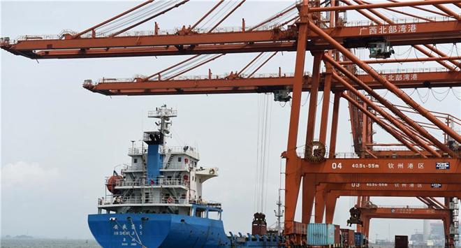 In pics: Qinzhou port in S China's Guangxi