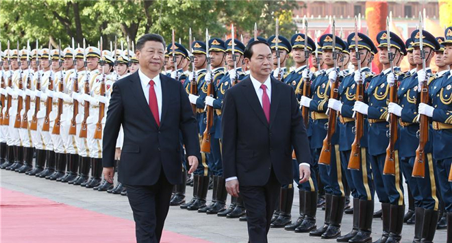 Chinese, Vietnamese presidents hold talks on ties