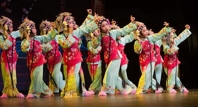 Children perform Peking Opera